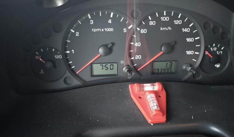 – AC Capuchina Segunda Mano Ford Challenger 2004 lleno